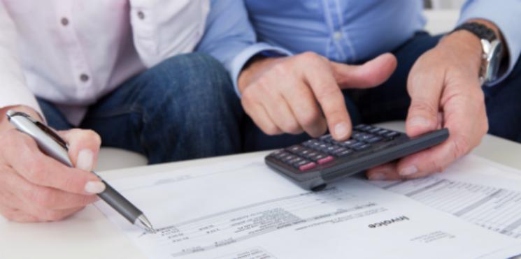 Resultado de imagem para Pesquisa aponta que 48% dos consumidores querem reduzir gastos este ano