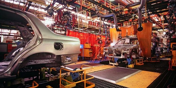 50b97bd5adf2 Produção industrial cresce 0,8% em setembro