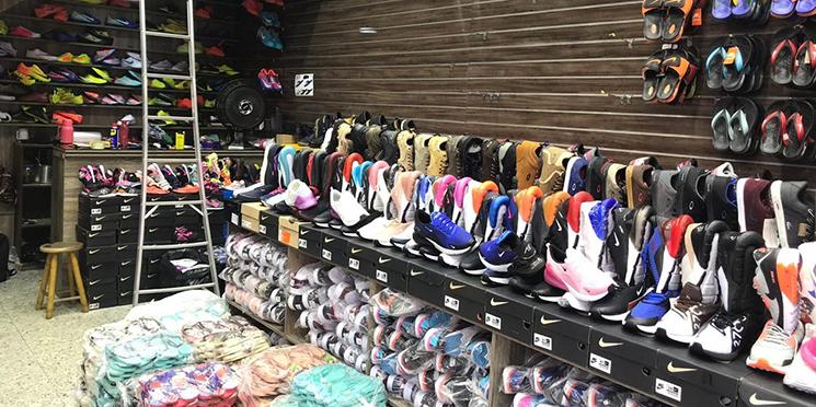 ab2c7166c Receita apreende 10 mil pares de sapatos falsificados no Brás