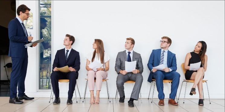 Resultado de imagem para Brasileiros apresentam menos medo de perder o emprego, em dezembro
